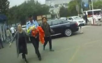 唐山:婴儿颅内出血 交警开辟绿色通道