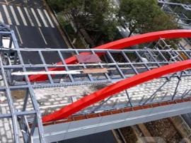 郴州市城区涌泉小学段人行天桥本月底使用