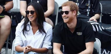 哈里王子宣布订婚 英王室将首迎非裔新王妃