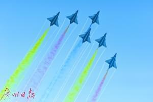 成为飞行员是很多少年的梦想。广州日报记者 葛宇飞摄