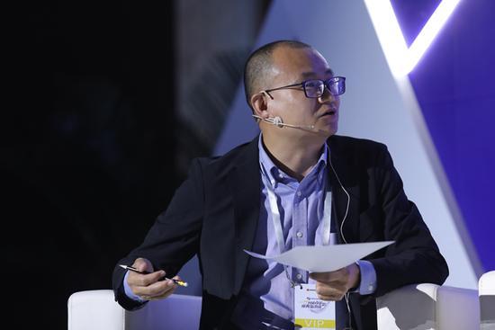 王强短评:华为的生存能力远胜于中兴 | 网易研究局