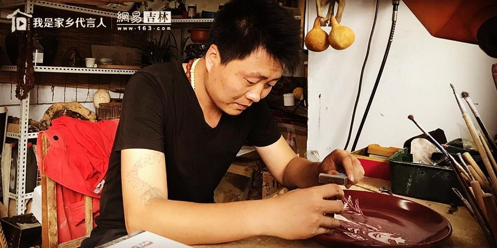 """七夕搞点""""技术活"""" 瓷刻艺匠的特别礼物"""