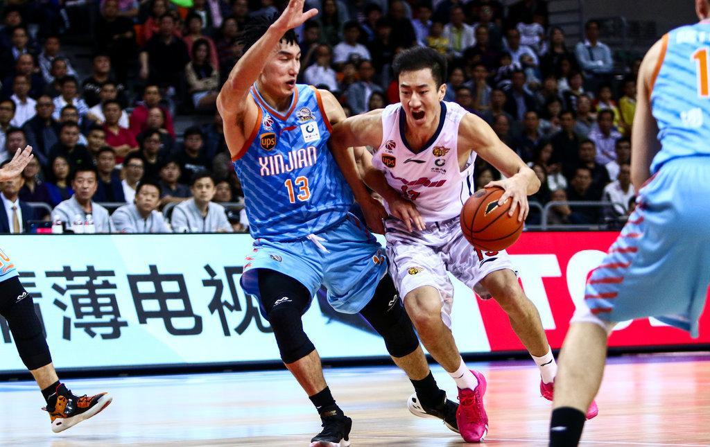 邵英伦常规赛为广东出场18次。