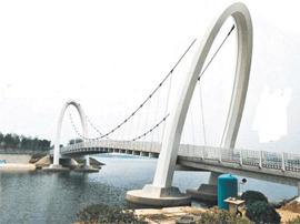 横跨孝妇河 淄博首座钢结构悬索桥10月开通