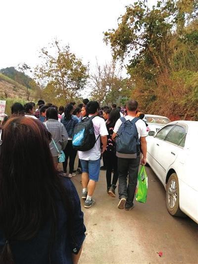 33人缅甸打工遇战乱徒步归国:到中国境内就安全了