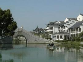 """泰兴住建部门为城区80多座桥梁印上""""名片"""""""
