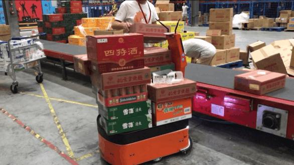 柔性仓运方案亮眼 AICRobo自主仓储运输机器人首测身手