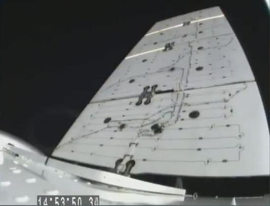 SpaceX成功发射猎鹰9号,并成功收回一级火箭