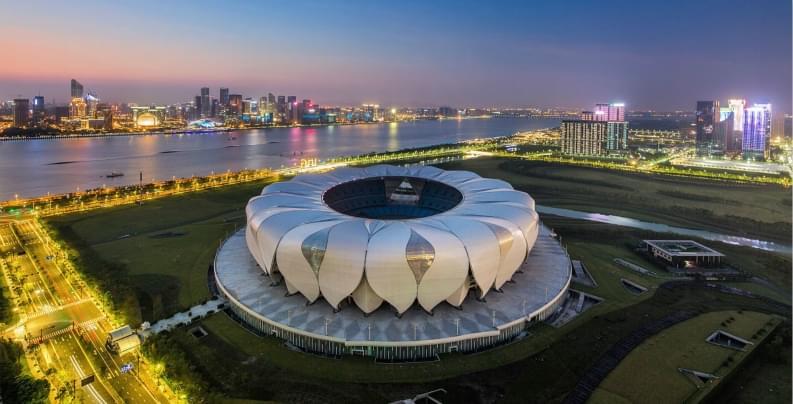 奥体中心主体育馆和游泳馆开建