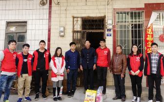 """连江口镇开展""""学雷锋""""青年志愿者服务活动"""