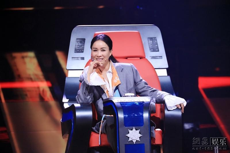 《中国新歌声》护士唱嘻哈饶舌那英直呼比过王菲