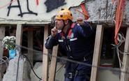 墨西哥地震后救命手势流传