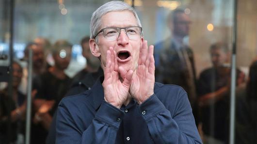 苹果股价再创新高,距离万亿美元市值就差700多亿