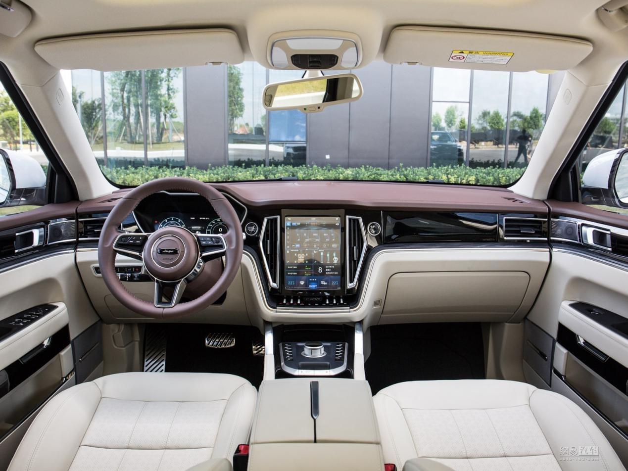换全新8AT 众泰T700 2.0T车型12月上市