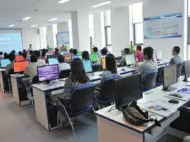 黄海学院26个创客团队拿执照 去年营业额109万