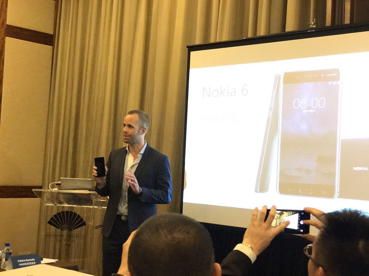 诺基亚首款安卓手机本月上市 售价1699元的照片
