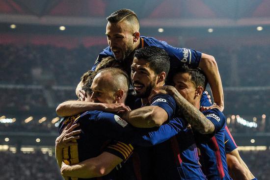 巴萨决赛5-0屠杀追平两大纪录 白梅合砍62冠