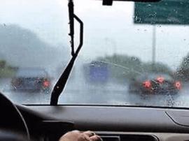 荣乌高速灵丘段降大雨 驿马岭收费站货车流量大