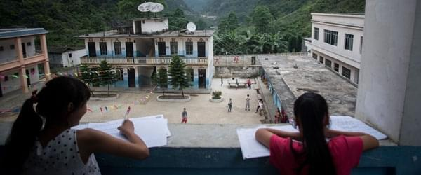 村里的人都说:你挣不了钱,大学就白读了