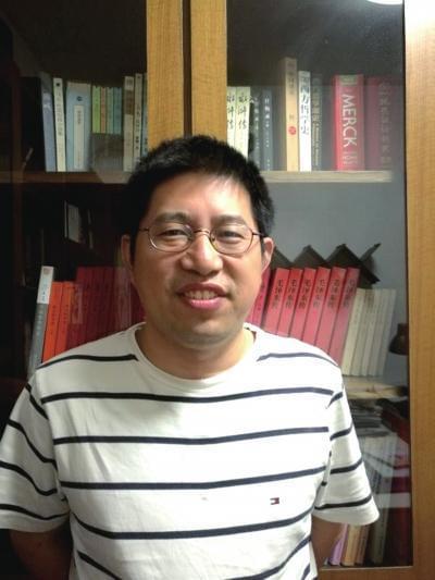 上海财大教授被拒绝续聘 9名学生赴教育部求情