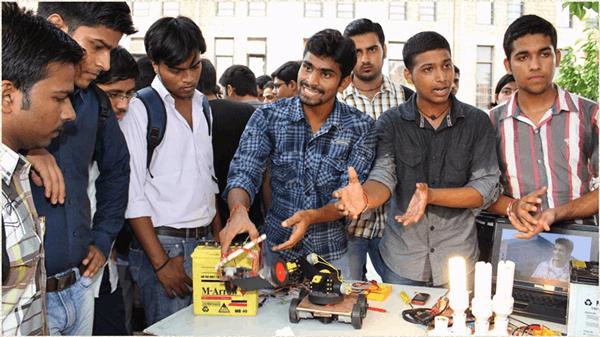 印度工程师那么多,为何中国抓住了全球化机会?