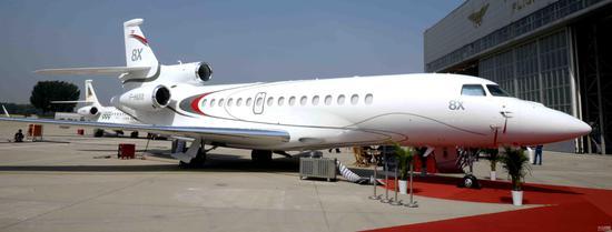 达索猎鹰8x公务机亮相北京国际商务航空展览会