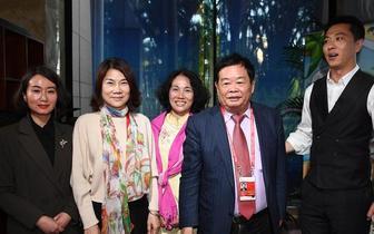 博鳌花絮:曹德旺与董明珠一同参加节目访谈