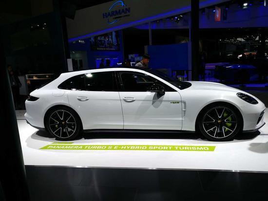 680马力 保时捷全新Panamera新车型发布