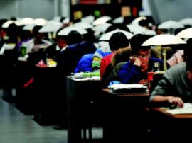 研究生考试临近考生冲刺备考  市图座无虚席