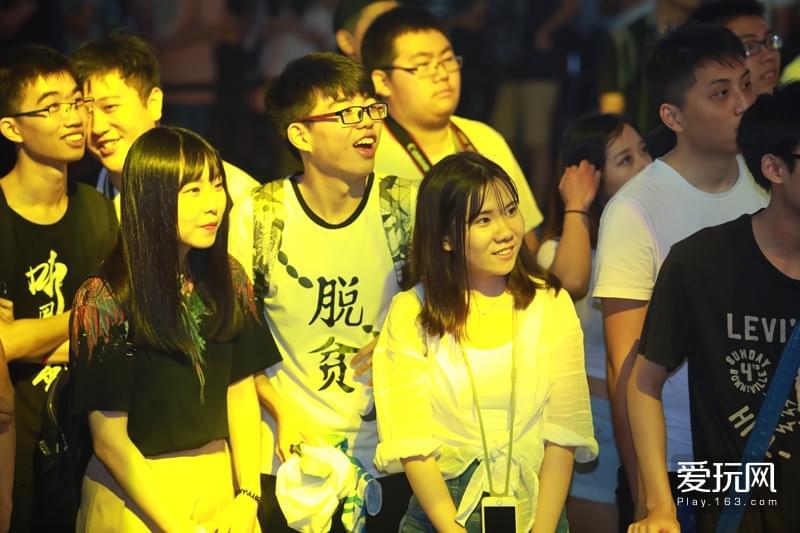 ChinaJoy第三天暴雪展台:人人人人我人人人人人
