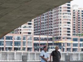土地市场逆转:房企再度集体重返三四线?