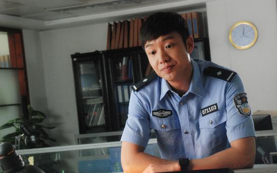 王晔 《刀锋下的替身》展现缉毒警察骁勇风范