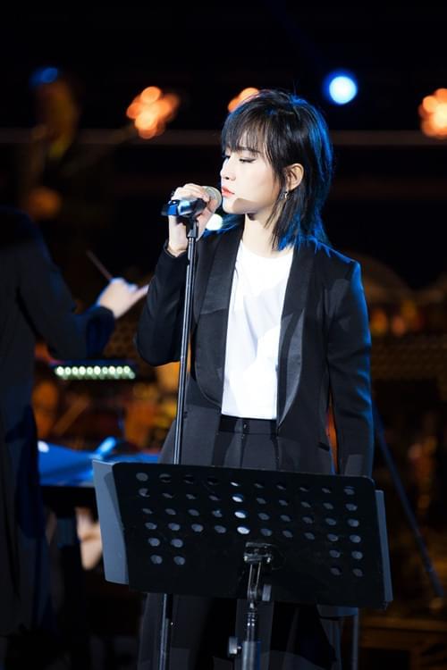 周笔畅公益音乐会上海开唱 大胆试水交响爵士乐