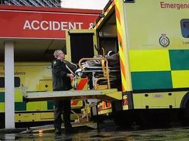 致命流感袭击英国,医院全员应对危机