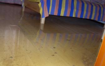 福州一新房遭粪水两次浸泡 物业:非质量问题