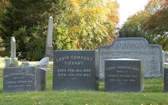 纽约公园式公墓历史悠久人气旺 成美国热门旅游地