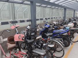 山西:电动自行车乱充电乱停放 将领罚单