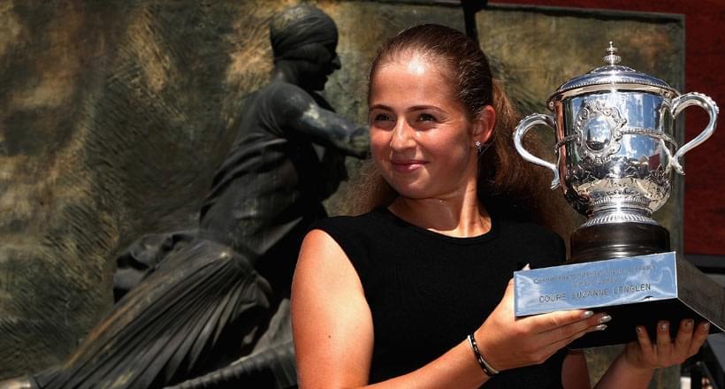 奥斯塔篷科拍摄法网冠军写真 变羞涩小女生