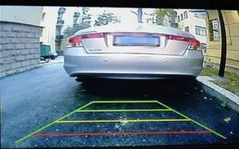 新买的汽车没有倒车影像 连修4次后越发严重!