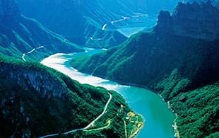 这山 ,这水,这瀑布,这是人间仙境……