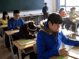 高考第一天  太原48名残疾考生走进考场