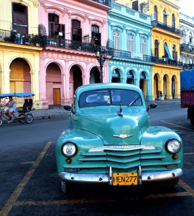 古巴街头的老爷车 让你一次看个够!