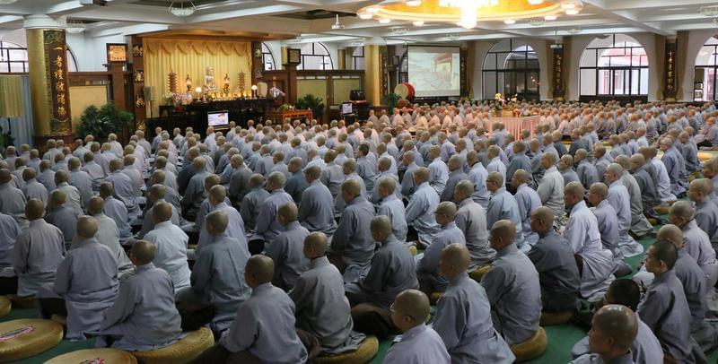 五台山佛协及各寺组织观看党的十九大开幕式电视直播