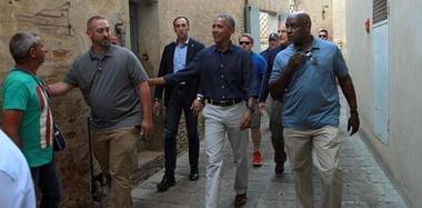 男神来了!奥巴马意大利街头旅游心情好
