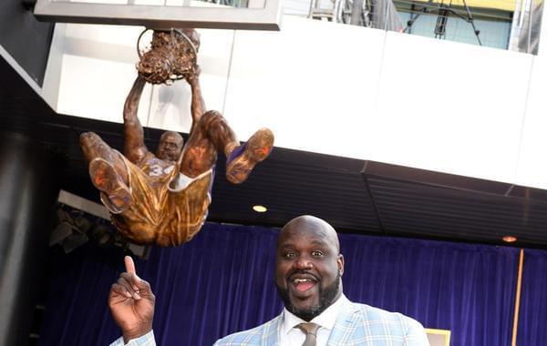 """NBA铜像:科比""""现身""""中国"""