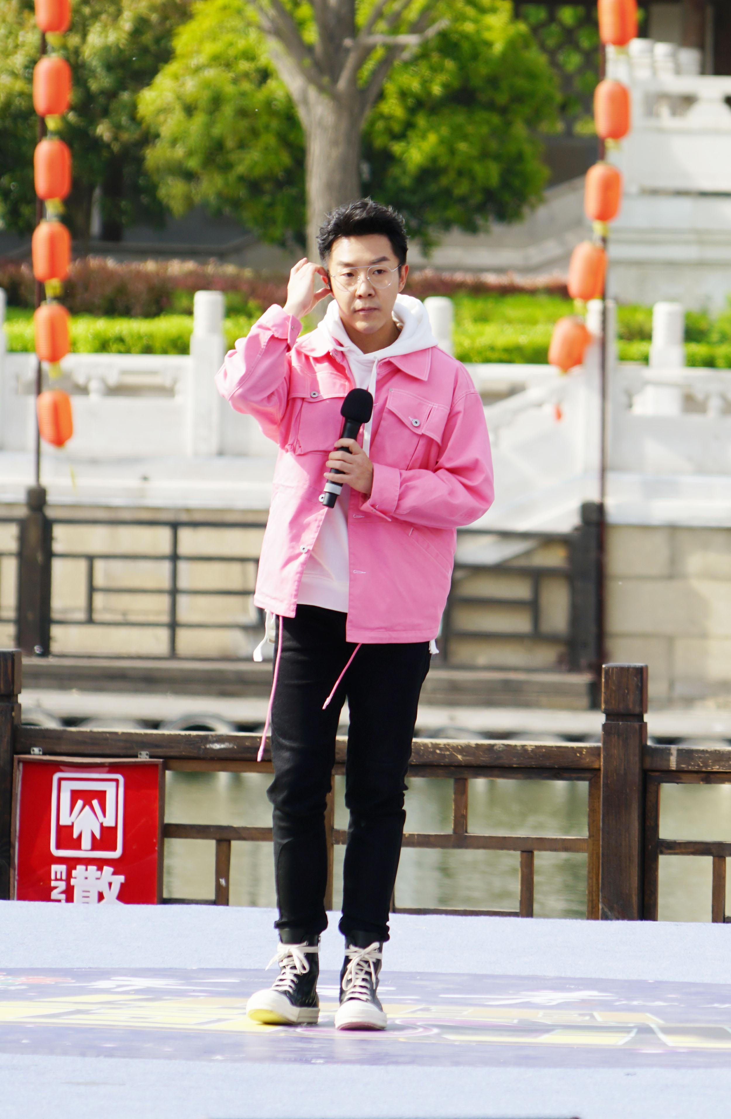 孙伯纶献声《中国情歌汇》弘扬地方文化传递正能量