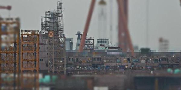 国产大型航母补给舰二号舰建造进展顺利