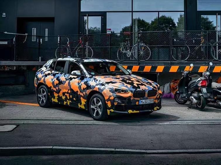 法兰克福车展首发 宝马X2官方预告图发布