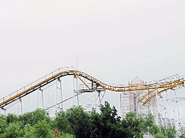 再见过山车  太原迎泽公园游乐设施拆完了