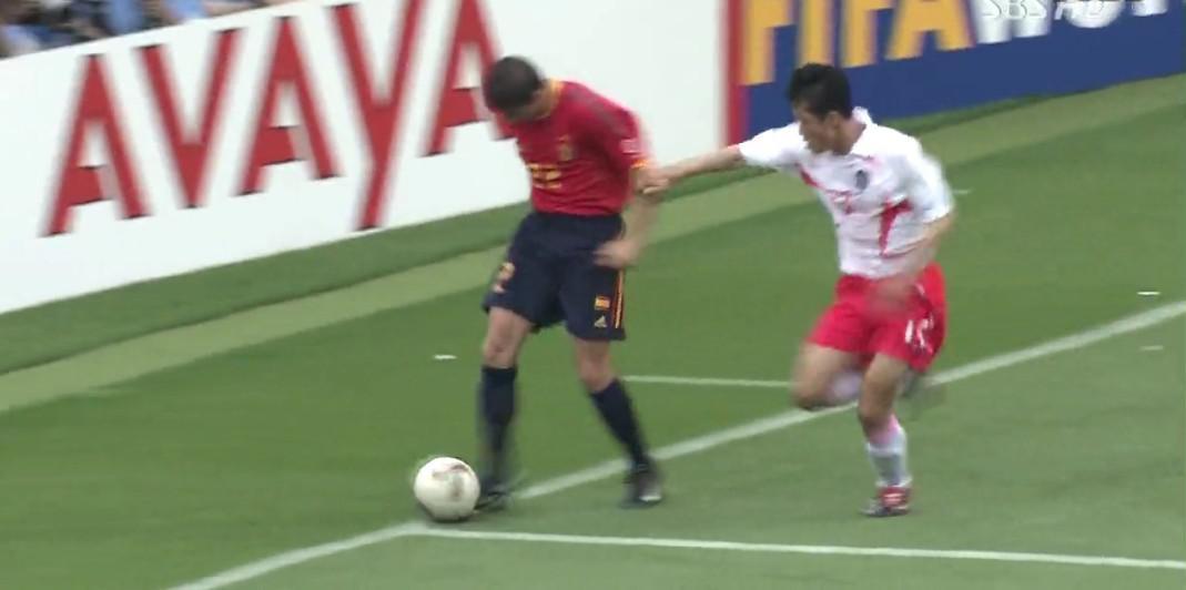 世界杯的世纪丑闻!我们仔细数数,韩国进四强总共需要几次无耻判罚